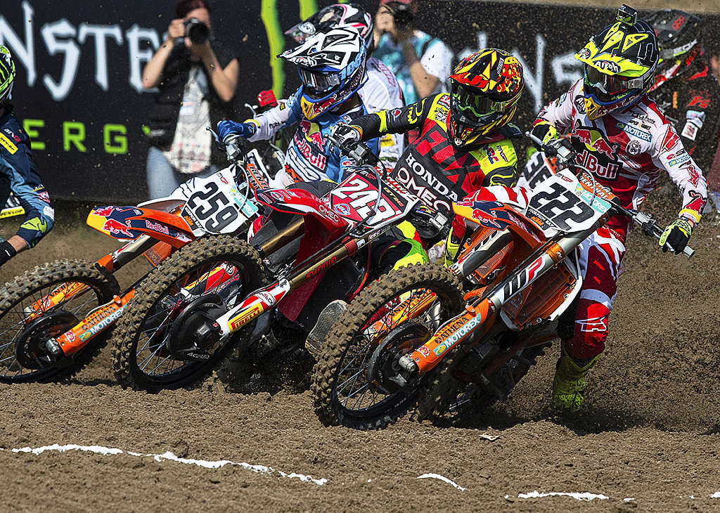 Gajser And Cairoli 2016
