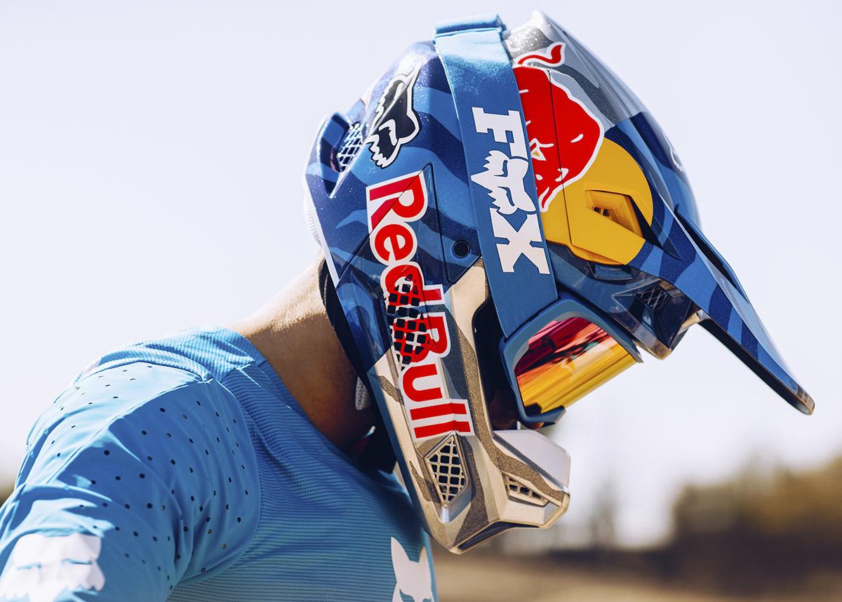 v3-helmet-4.jpg#asset:16900