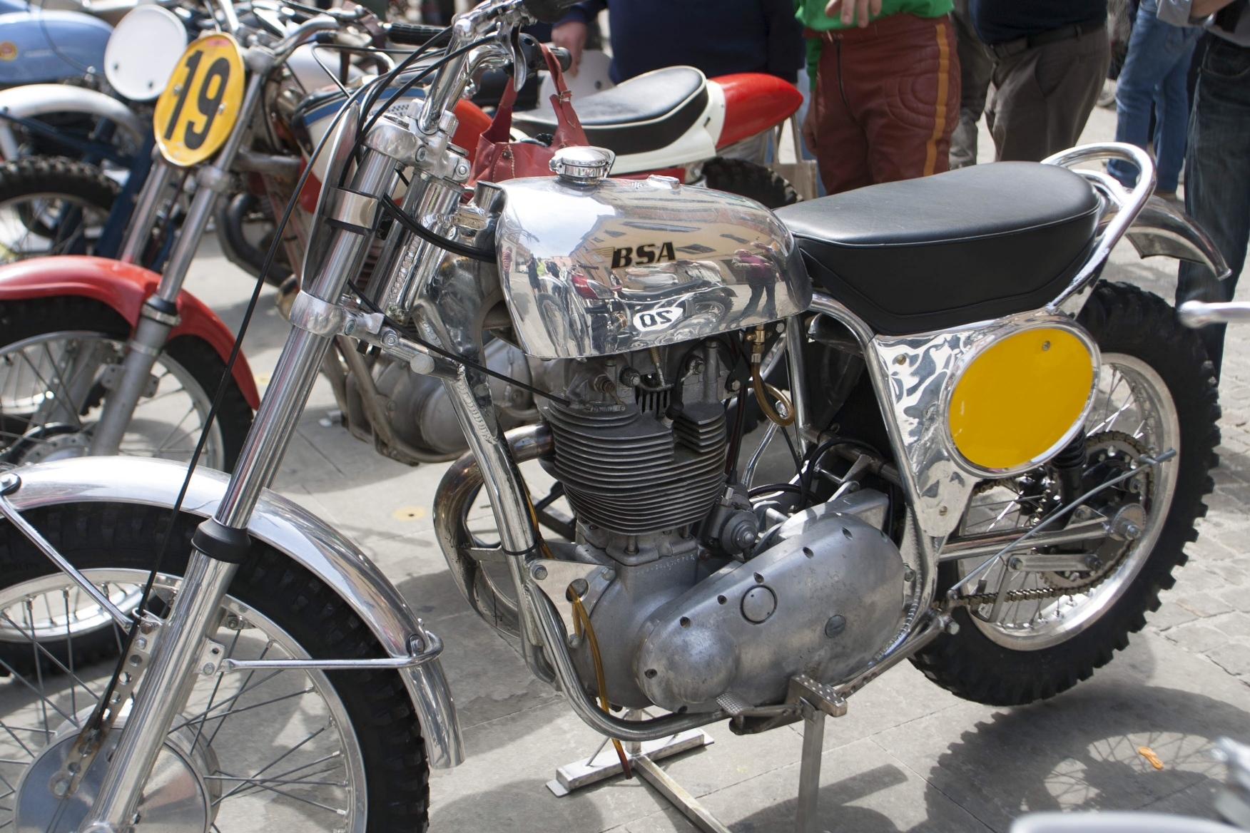 vintage-GP-1960s-29.jpg#asset:37259